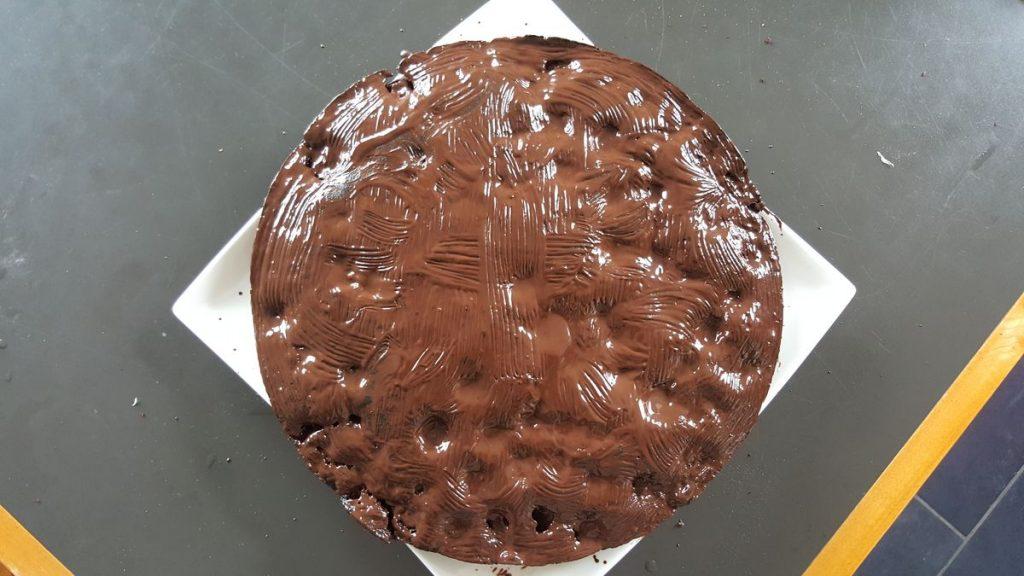 Kuchen mit kakaohaltiger Fettglasur